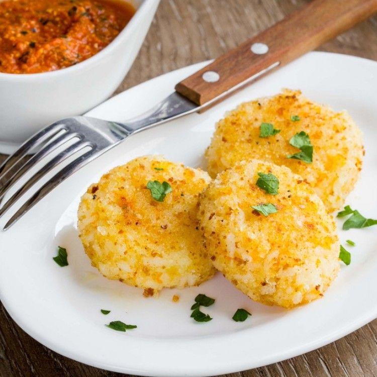 كرات البطاطس بالدجاج مطبخ سيدتي Recipe Italian Recipes Food Food And Drink