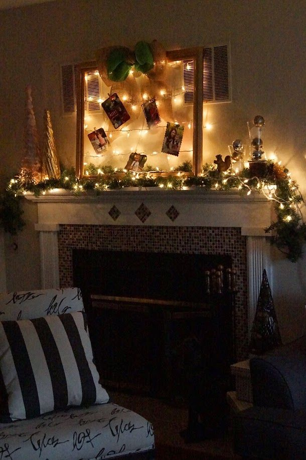 Happy Medley: Christmas Card Display {DIY}