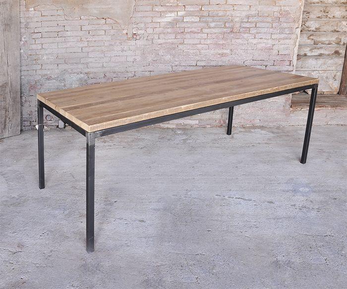 Tavolo Tronco ~ Tavolo costituito da una sezione di tronco in rovere immersa nella