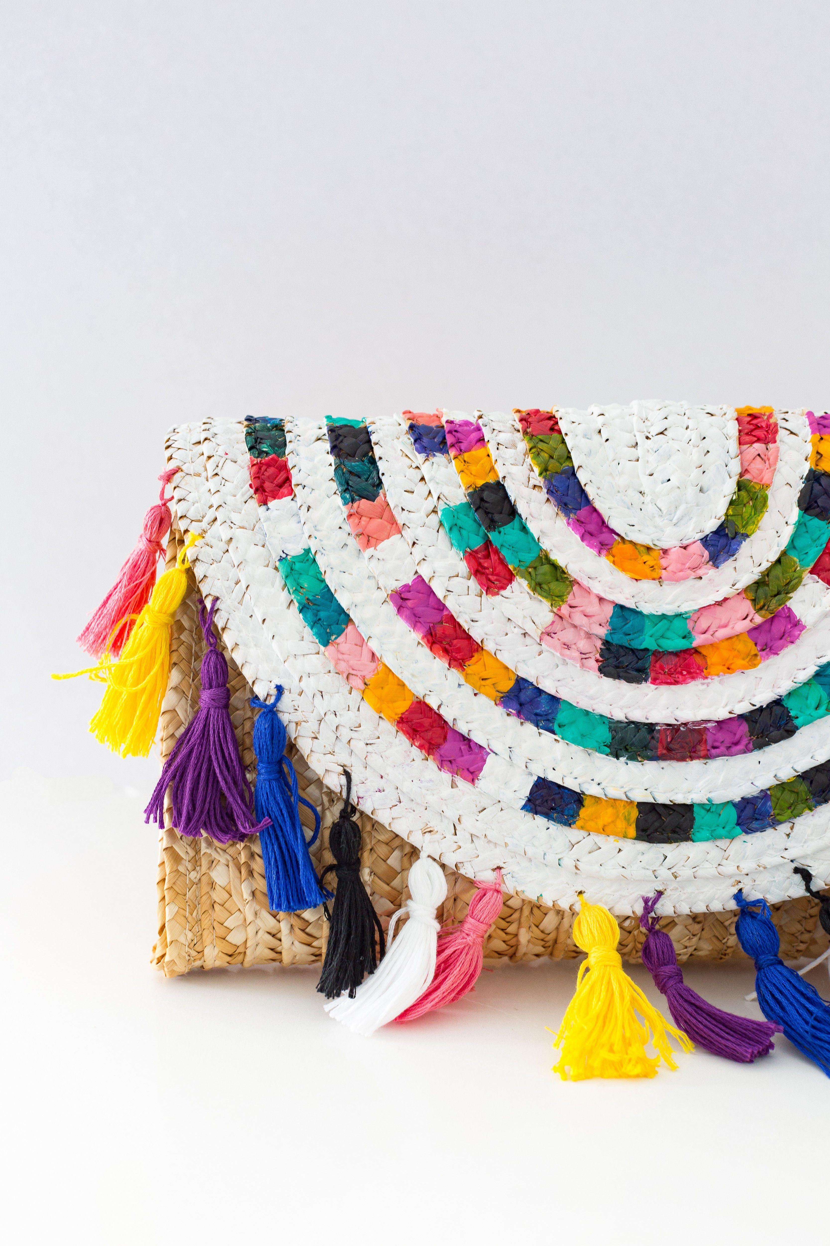 f4c54609a9 Colorful Clutch Bag with Tassels – DIY | Crafting | Pinterest | Diy ...