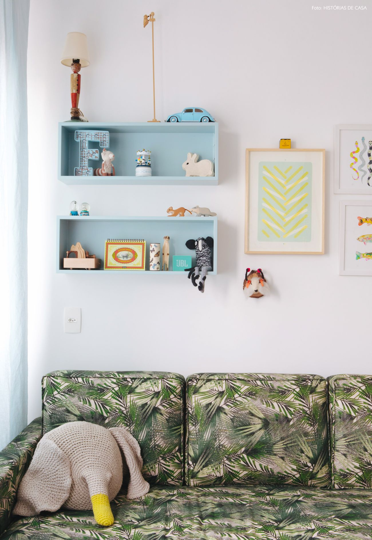 34-decoracao-quarto-de-bebe-sofa-estampado-quadros