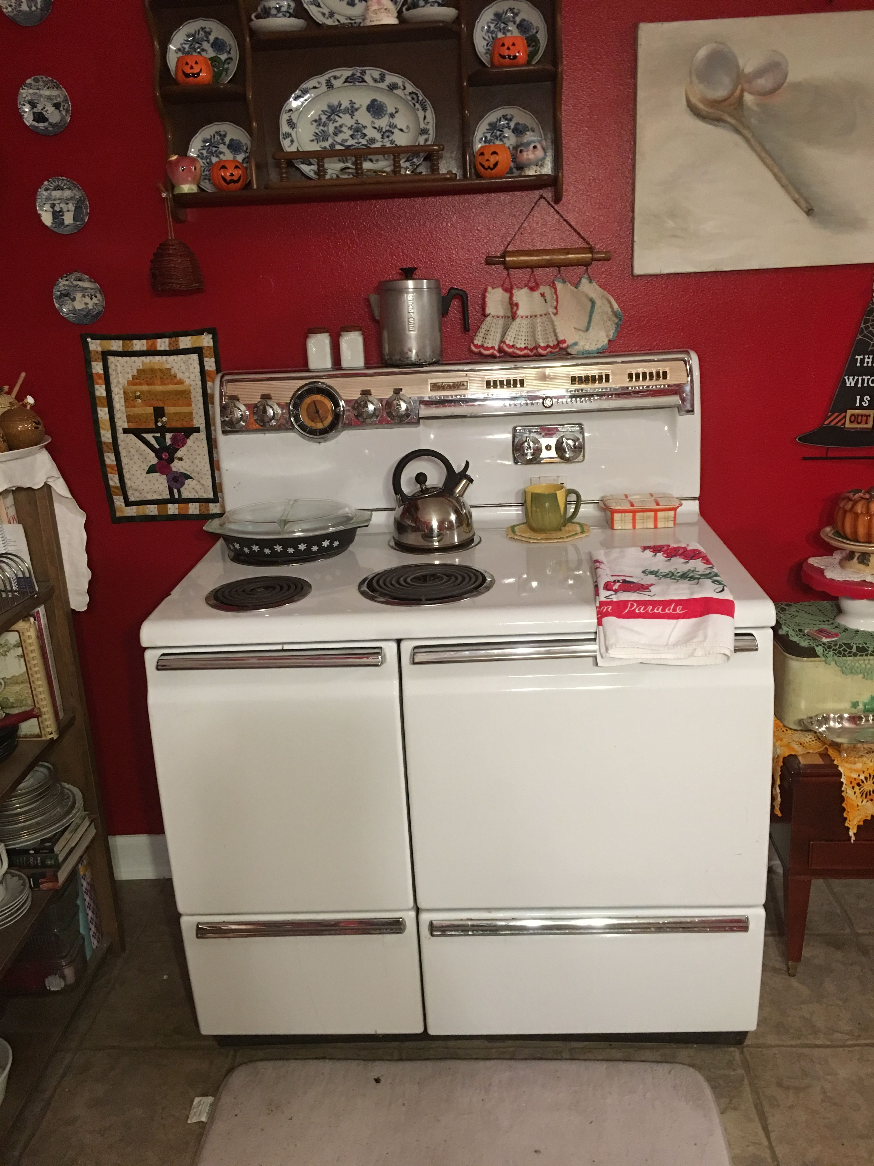 1955 ge liberator electric double oven range and its mine finally have my own vintage stove after years and years of drooling over pinterest pix of