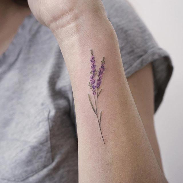 Powerful Tattoos Minimalisttattoos In 2020 Lilac Tattoo Lavender Tattoo Small Flower Tattoos For Women