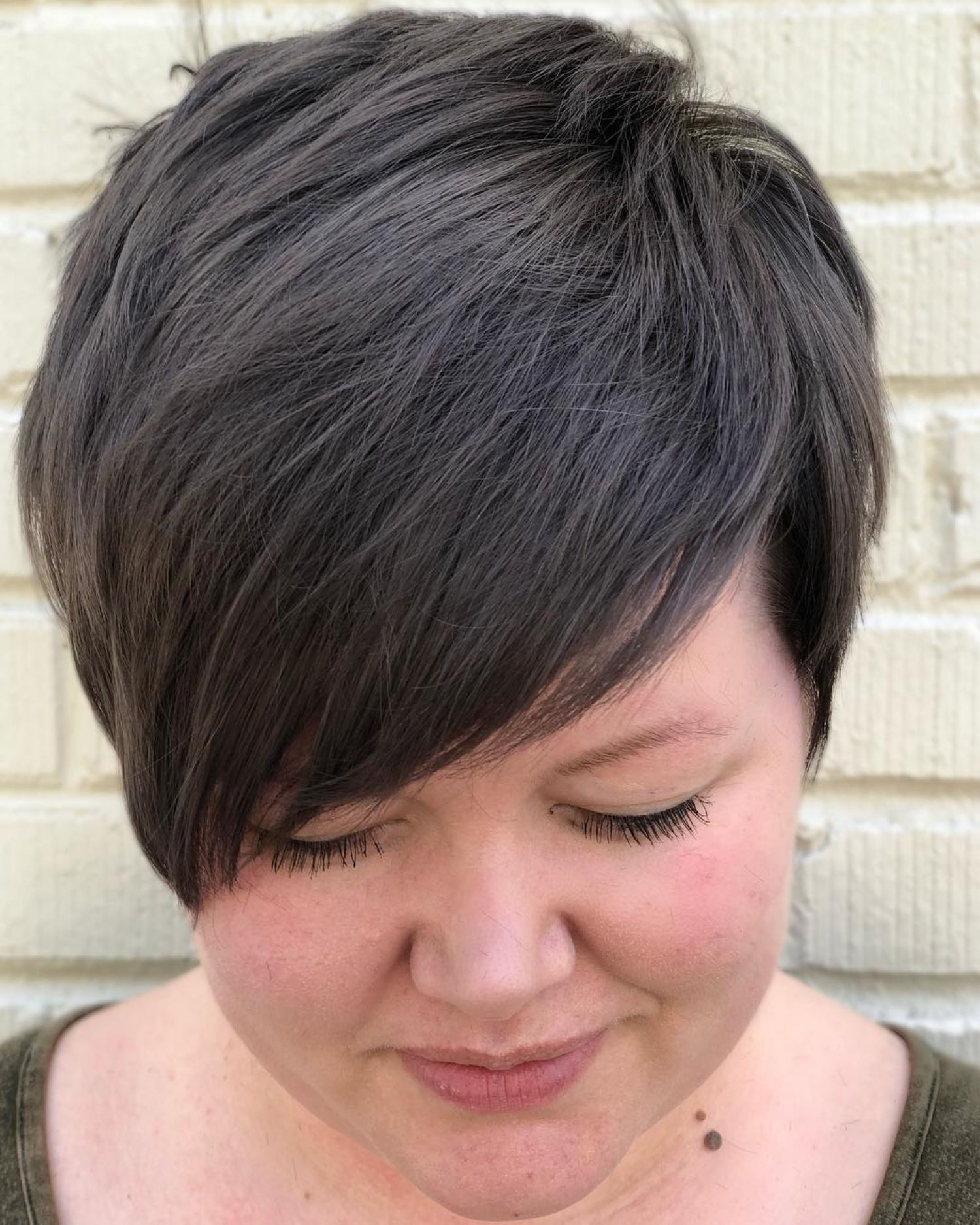 Chubby Brunette Short Hair 25 Pretty Short Haircuts