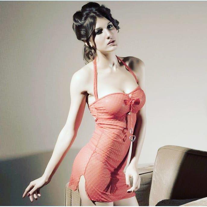 Visit my profile  @sandrabenty2141  @sandrabenty2141  #bodyposes #atractive #mumbai #model #rampmode...