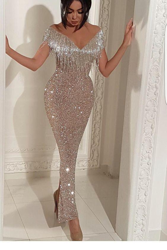 a9d7b847 Elegant glam long silver glitter dress   Inspiring Ladies   My ...