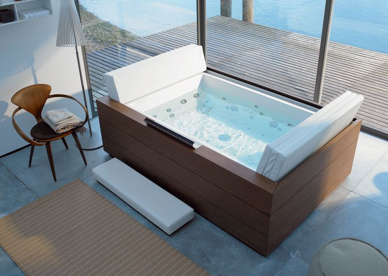 Accessori Per Vasca Idromassaggio.This One Looks So Nice And Roomy One Picture On The Site Shows 2 Can Fit In Here I Love This Tub But Looks Duravit Vasca Idromassaggio Design Bagno Piccolo