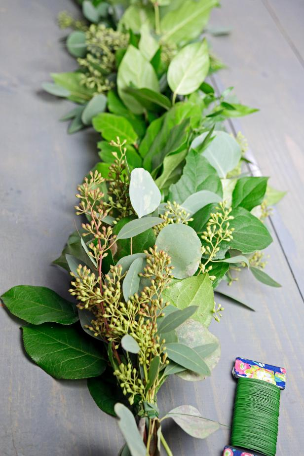How to Make a Eucalyptus Garland + Easy Greenery Wreath in