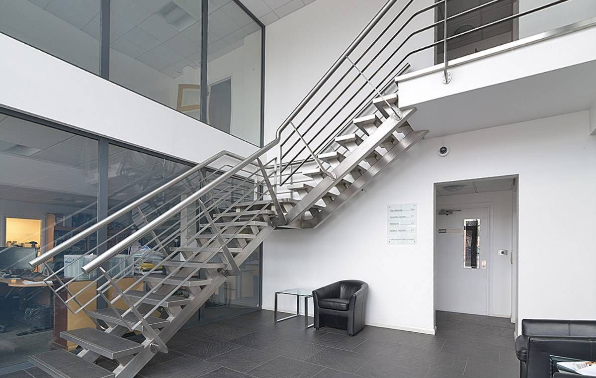 Best Led In Railing Google Search Staircase Design Stairs 400 x 300