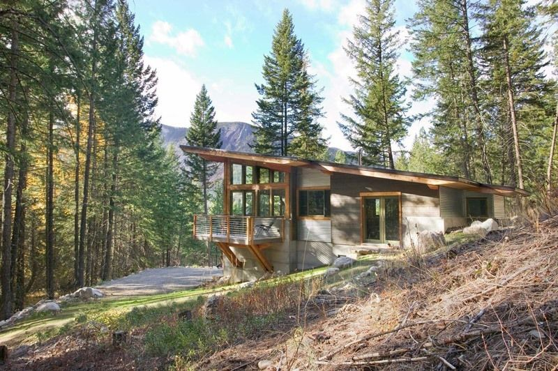 http://www.balanceassociates.com/wintergreen/ Wintergreen Cabin, WA Carved into Washington's verdant hillside, the Wintergreen Cabin encourages you to reconnect with nature.