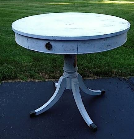 Craigslist 200 This Antique Solid Wood Round Pedestal Table Is Painted In Miss Mustard Seed Milk Paint In The Col Pedestal Table Wood Rounds Painted Furniture