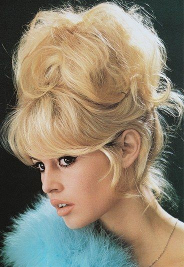 Glamour Dutt Wie Brigitte Bardot 60er Frisuren Lange Haare Brigitte Bardot