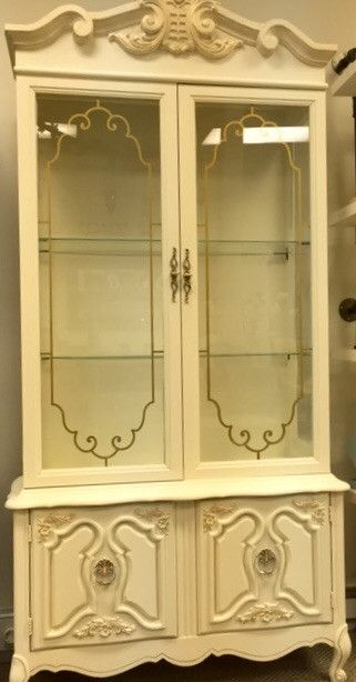 This China Cabinet Is Painted In Dune Grass U0026 Cheesecake By Country Chic  Paint. Itu0027s