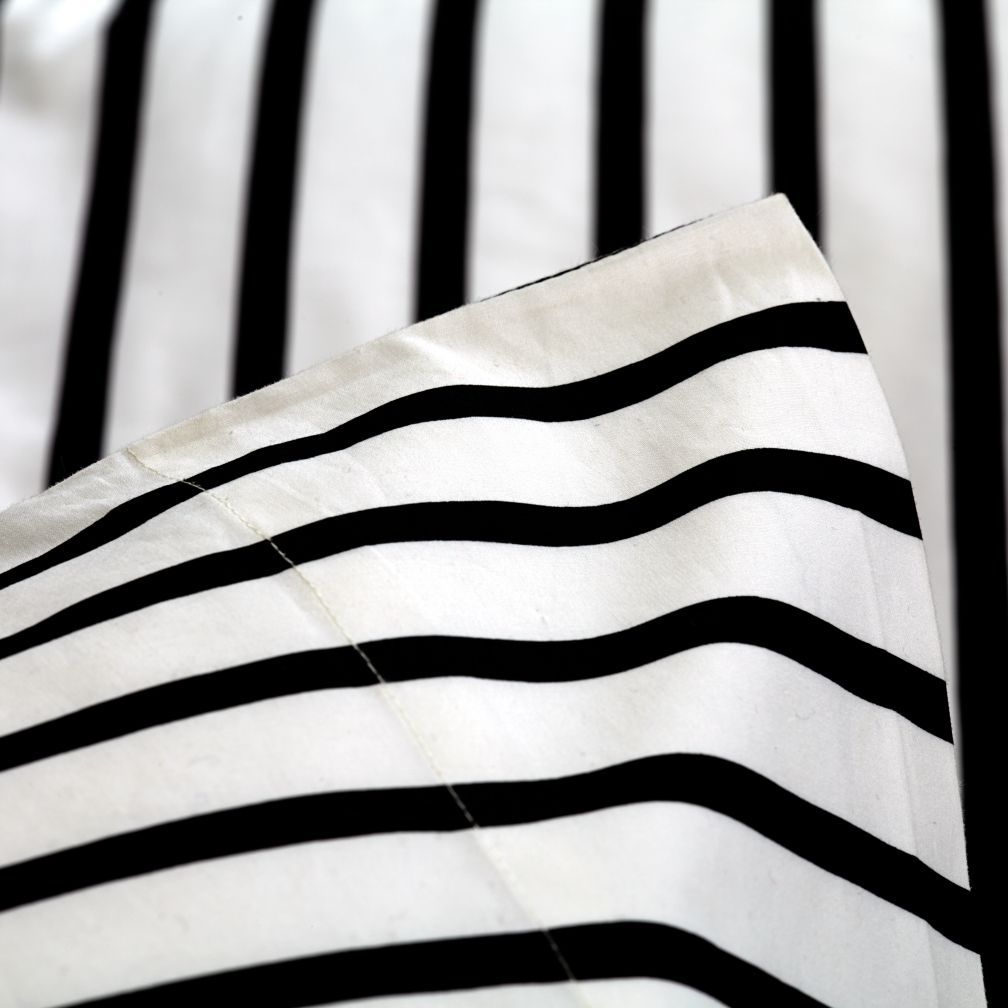 Organic Noir Stripe Queen Sheet Set The Land Of Nod Striped Sheets Kids Sheet Sets Kids Sheets