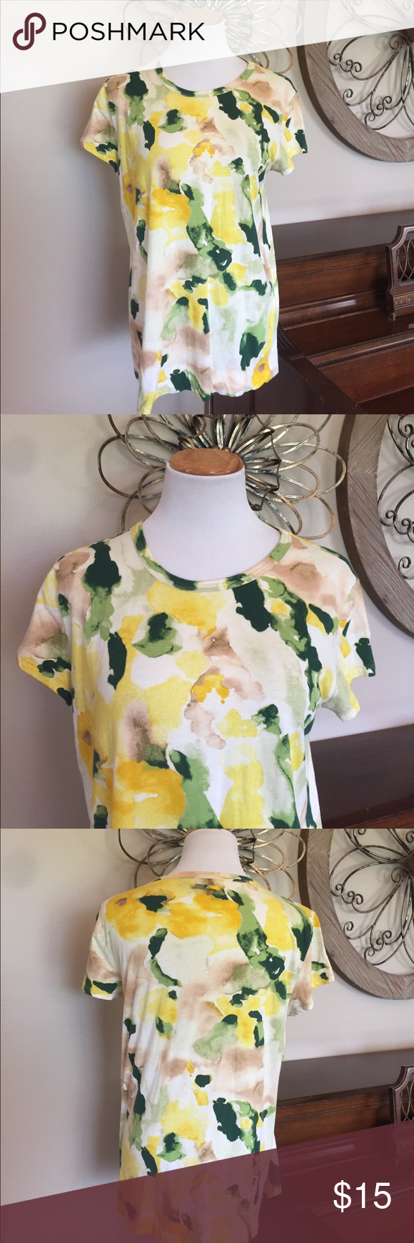Simply Vera Wang Size Large Tee / Top Excellent Condition! Size Large by Simply Vera Wang - 100% Cotton Simply Vera Vera Wang Tops Tees - Short Sleeve