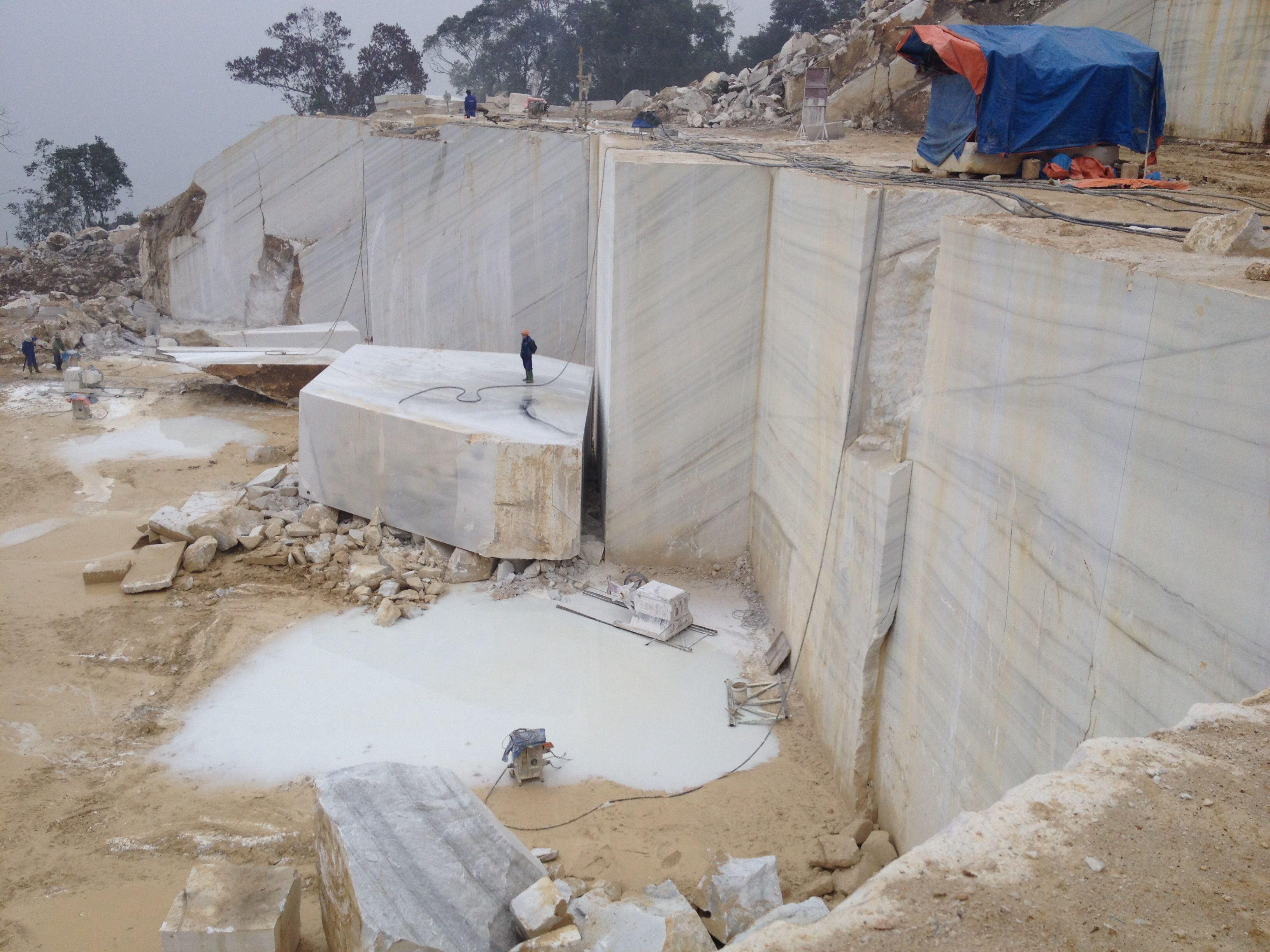 Vietnamese White Marble Quarry Www Vinternationalltd Com