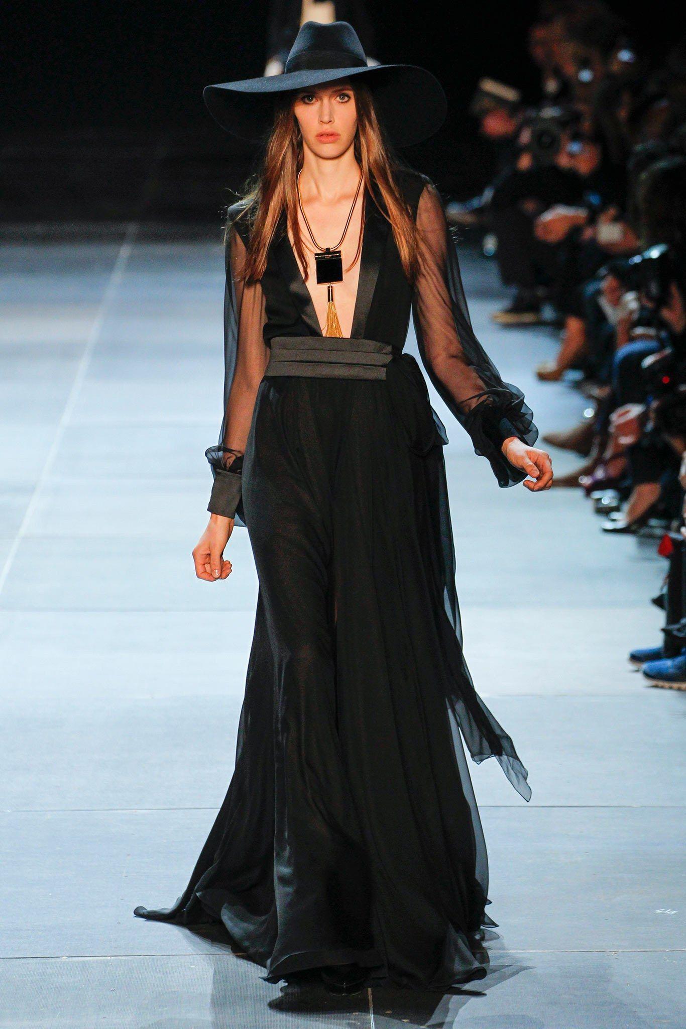 Saint Laurent Spring 2013 Ready-to-Wear Fashion Show - Georgia Hilmer (Next)
