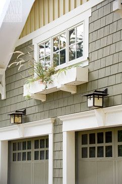 Craftsman garage design ideas painted wood carriage for Craftsman style garage lights