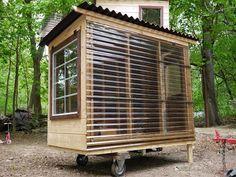 Garden Shed On Wheels Google Search Decoration Jardin Exterieur Cabane Bois Mini Maison