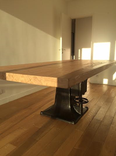 Table Industrielle Pied Central En Fonte Ancien De Machine