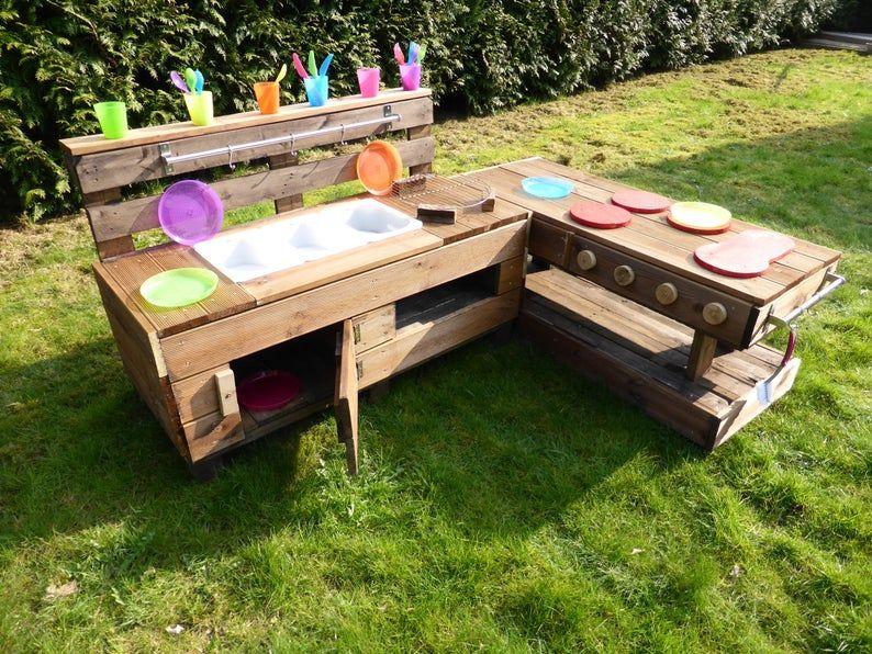 Palettenmobel Kinderkuche M Aus Holz Fur Garten In 2020 Kids Outdoor Play Childrens Kitchens Outdoor Kids