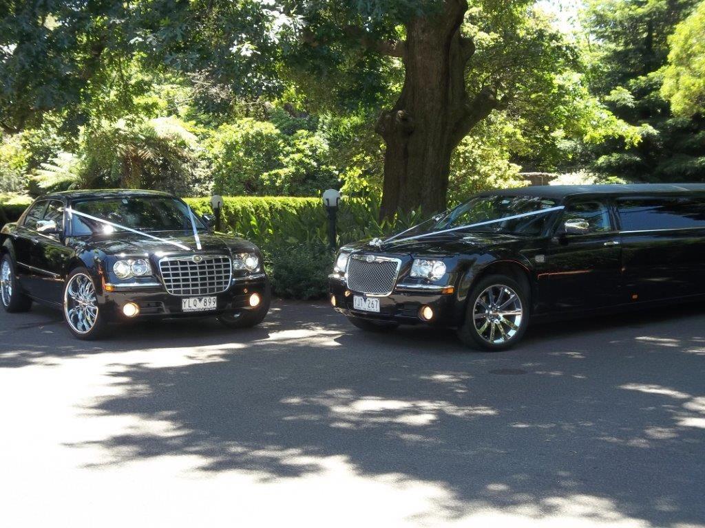 Black Chrysler 300c Stretch Limousine Chrysler 300c Limousine
