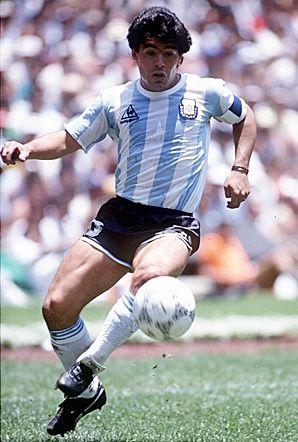 """Diego Armando Maradona, el """"pelusa"""", uno de los más grandes en la historia del futbol. Campeón con Argentina en el mundial de México '86"""