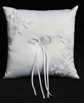 nice TT214 Square Ring Bearer Pillow w/ Embroidered Applique