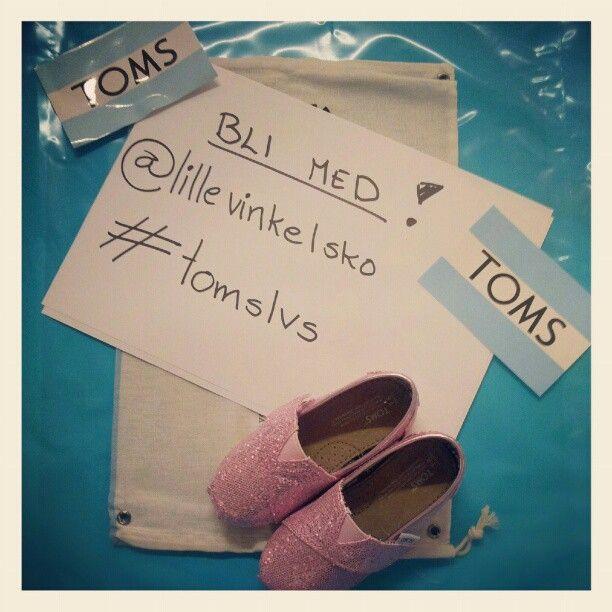 Ta et morsomt sommerbilde og Vinn et par TOMS! #tomslvs #lillevinkelsko @lillevinkelsko-#statigram