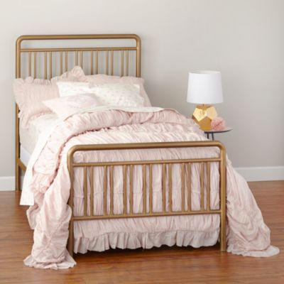Spray Paint Jane S Iron Bed With This Gold Matte Love It Astoria