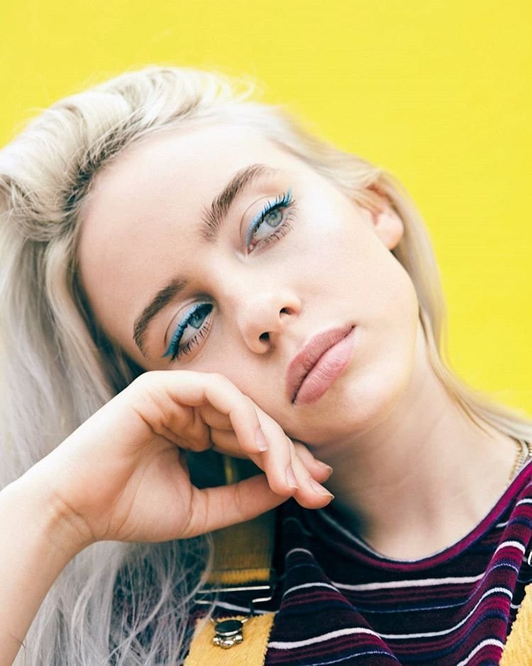 roses are red, violets are blue, Billie Eilish is better