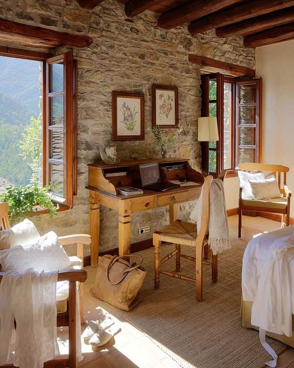 Windows and wood indoor overhang for the bedroom 2nd for Ufficio di campagna francese