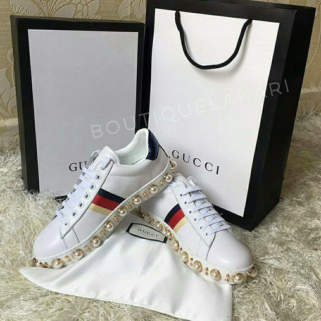 boutique la kari Tênis da Gucci com pérolas   Pérolas em 2019 ... f9da64f51b
