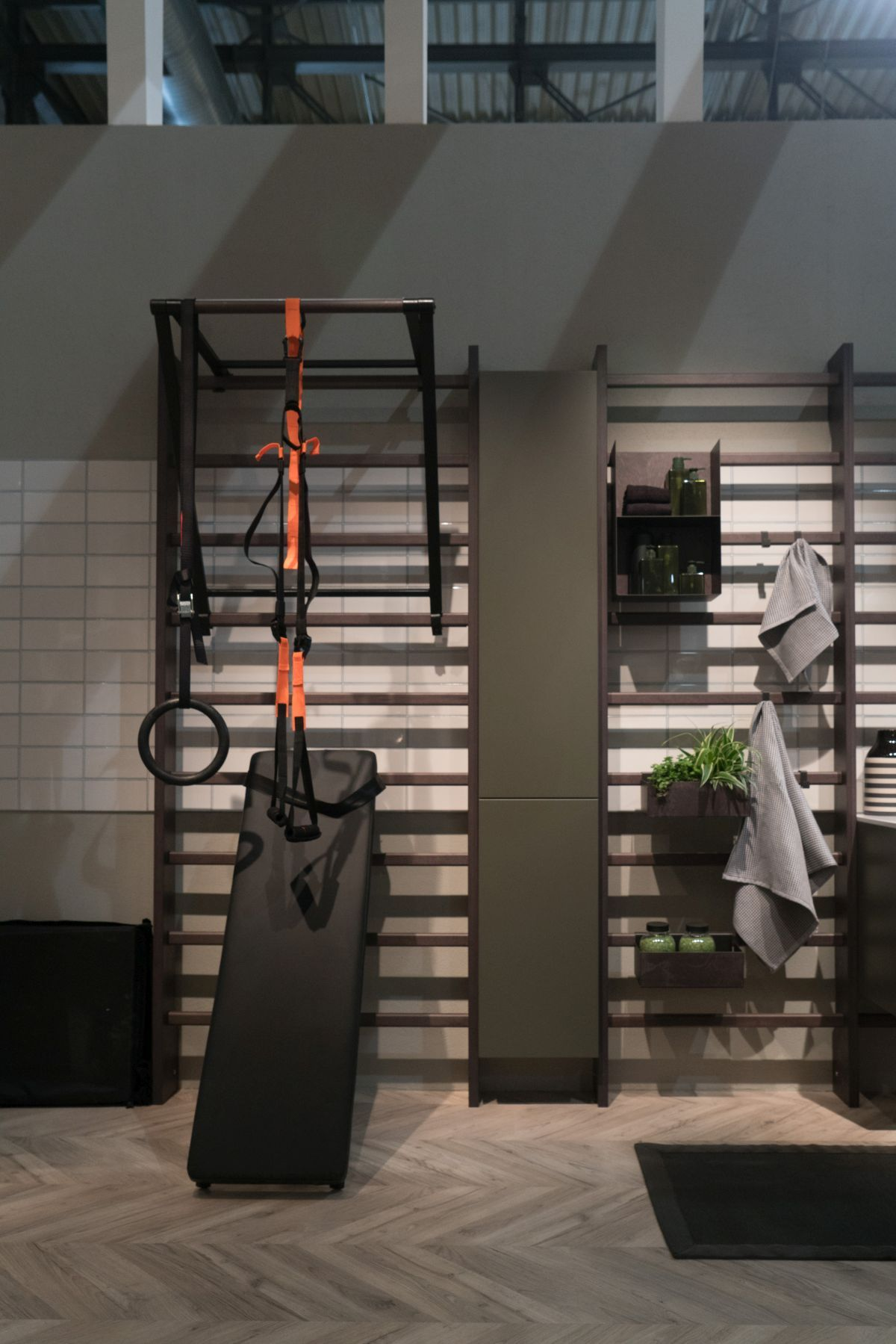 Modernes badezimmerdekor 2018 ein neues fitnessstudio von scavolini inspiriert menschen aktiver
