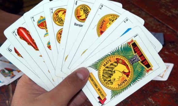 como jugar cartas casino