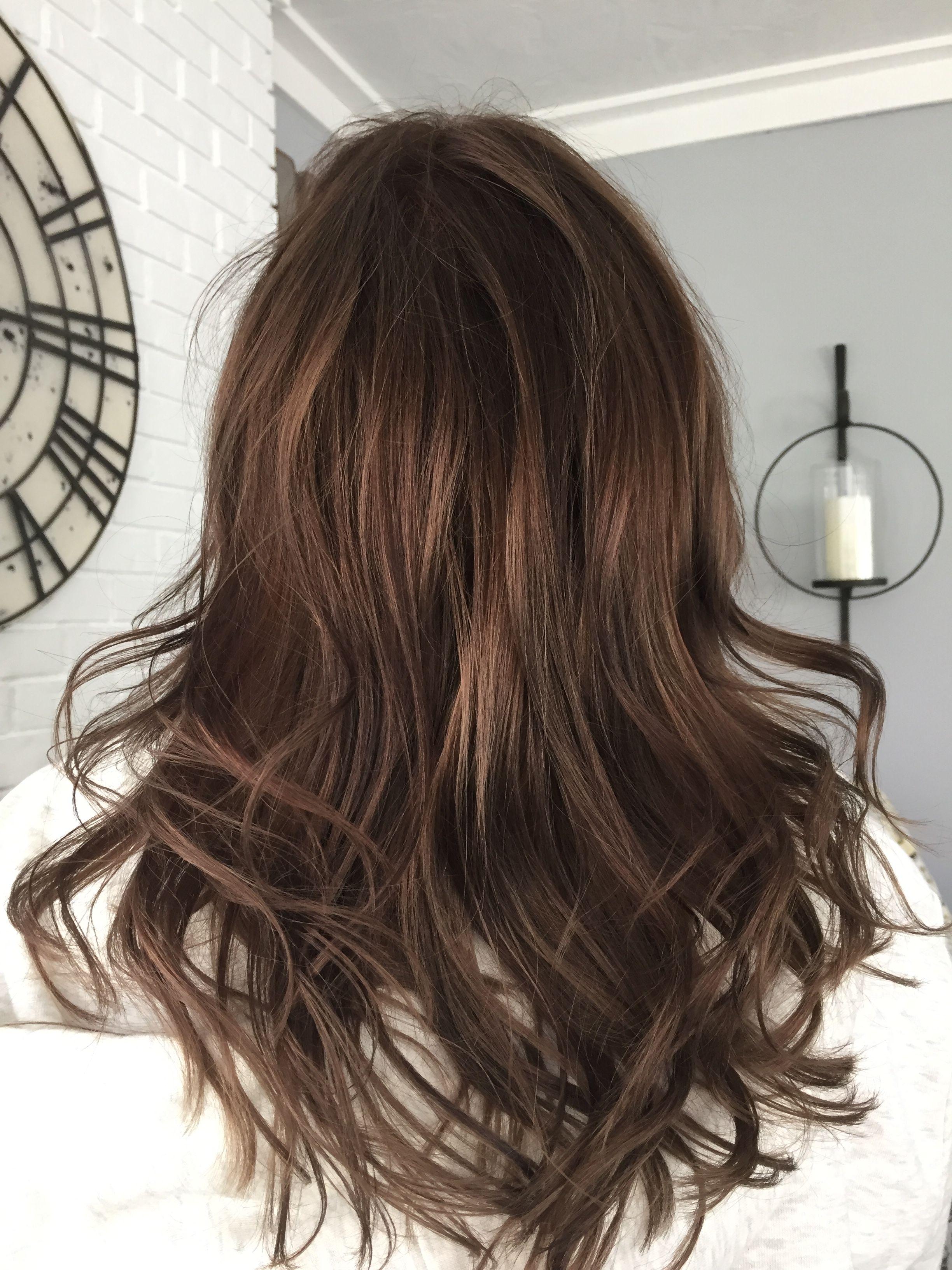 Brown Medium Length Hair With Lowlights