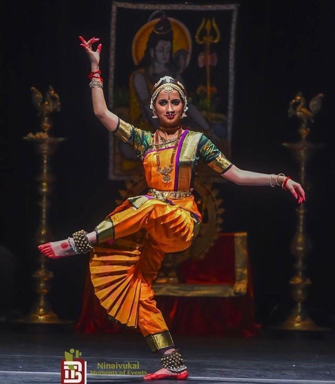 ♪┗ ( ・o・) ┓♪ A Visual Sermon ♪┏(・o・ )┛♪ | Bharatanatyam dancer, Bharatanatyam  poses, Dance of india