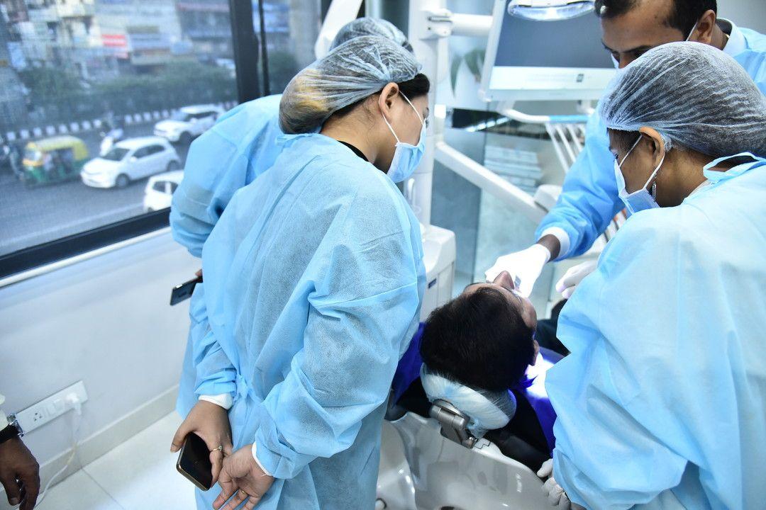 Join DrDeepak Bhutani Dental Courses in Delhi to learn