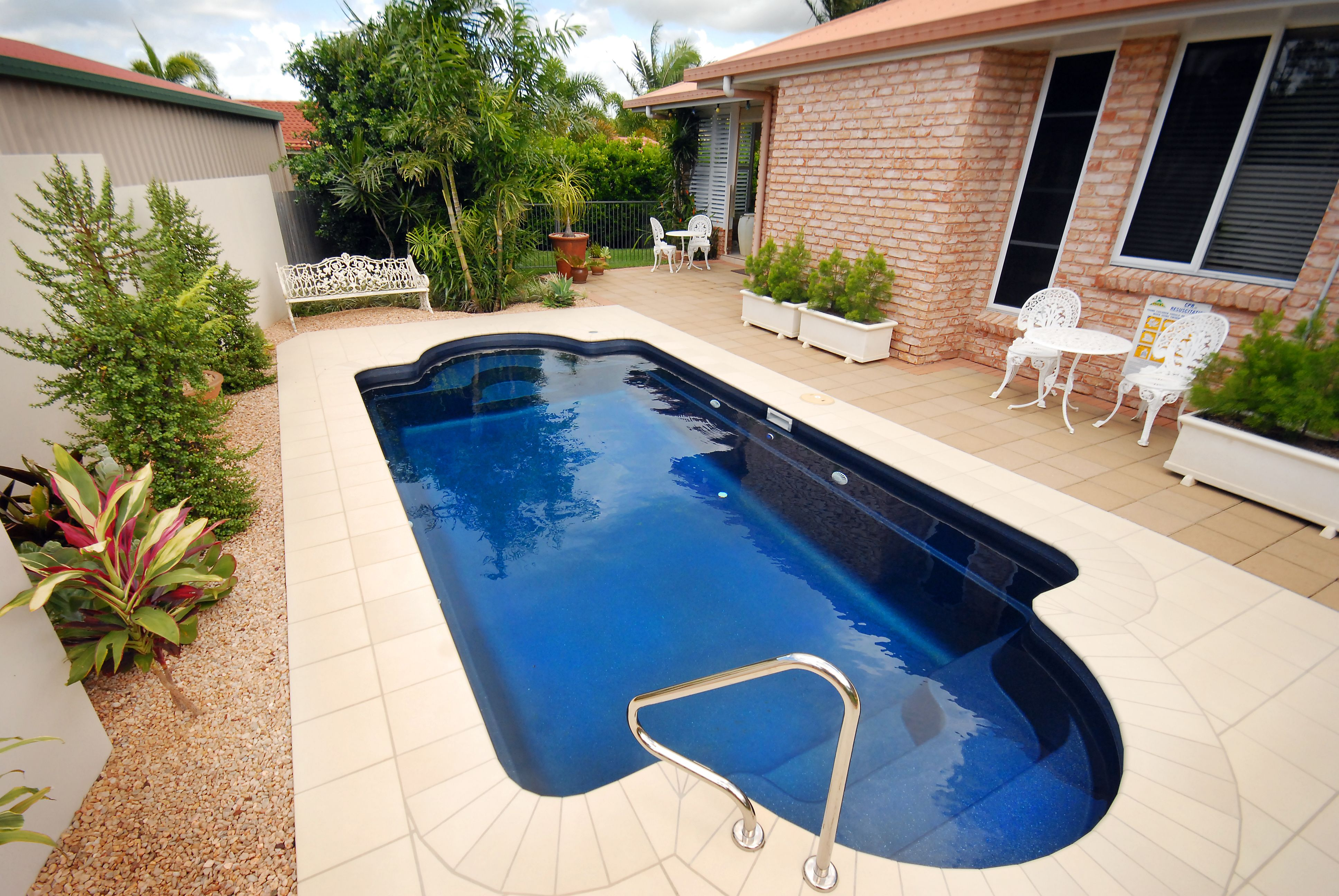Caledonian Plunge Pool With an elegant and timeless inground pool shape,  the fibreglass Narellan Pools