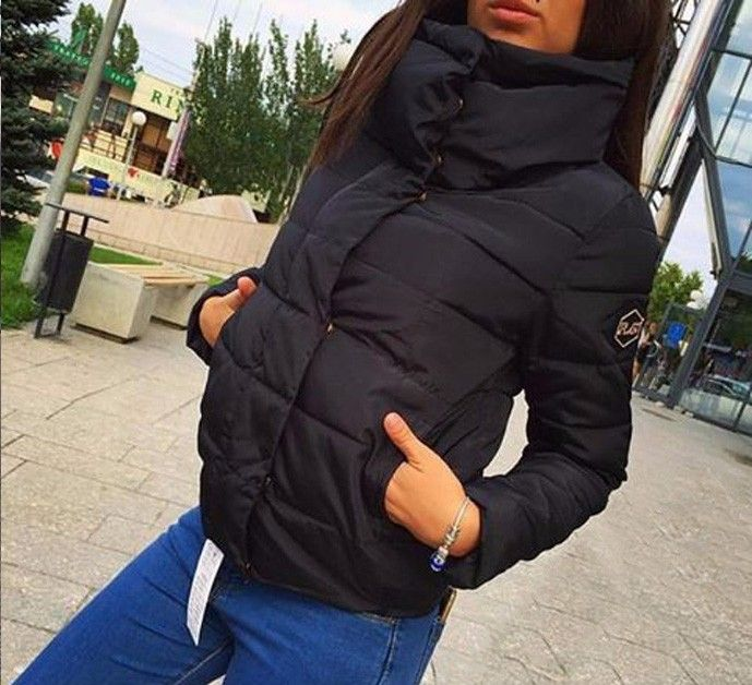 c3ea9ed0576 Teplá dámská zimní bunda s límcem černá – Velikost L Na tento produkt se  vztahuje nejen zajímavá sleva