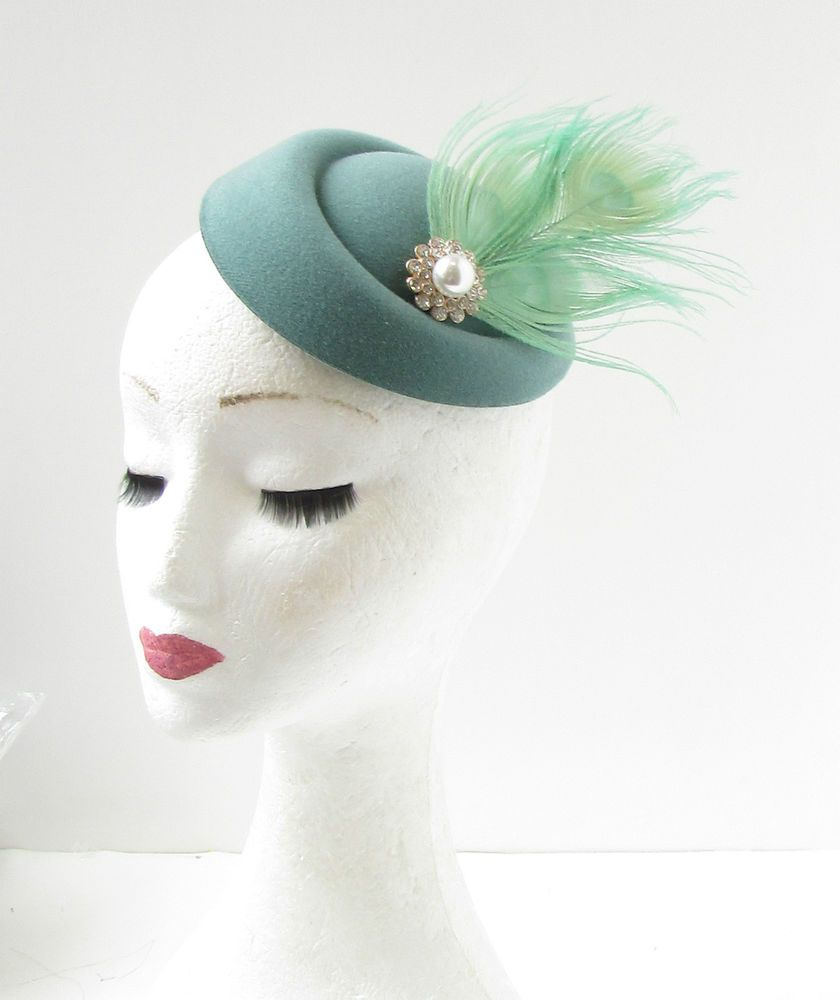 Teal Mint Green Silver White Feather Pillbox Hat Fascinator Hair Clip Races  315  StarcrossedBeauty  Vintage 56b9410e56b