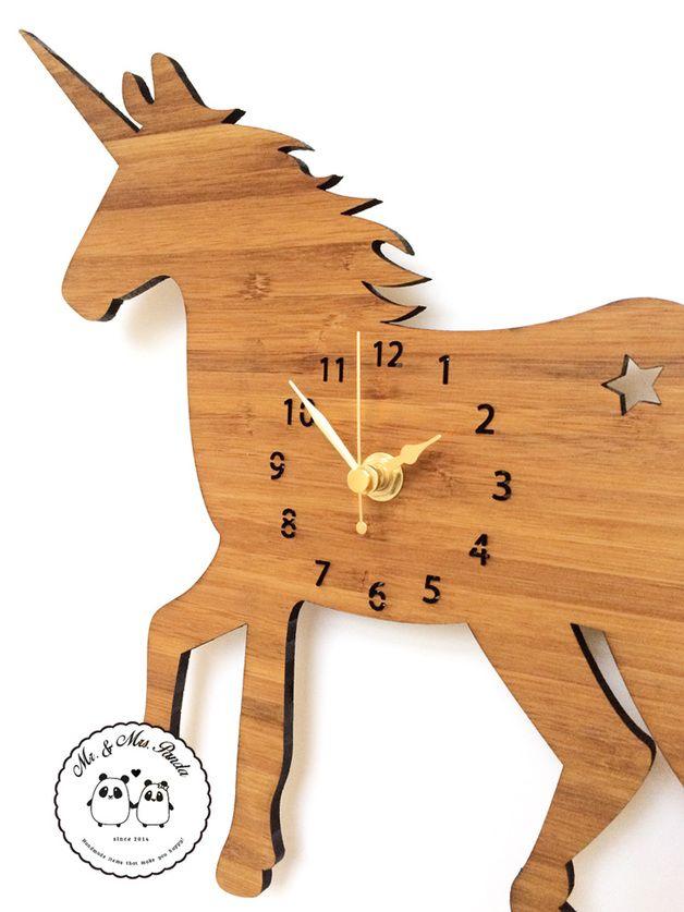 Einhorn Wanduhr // unicorn wall clock via
