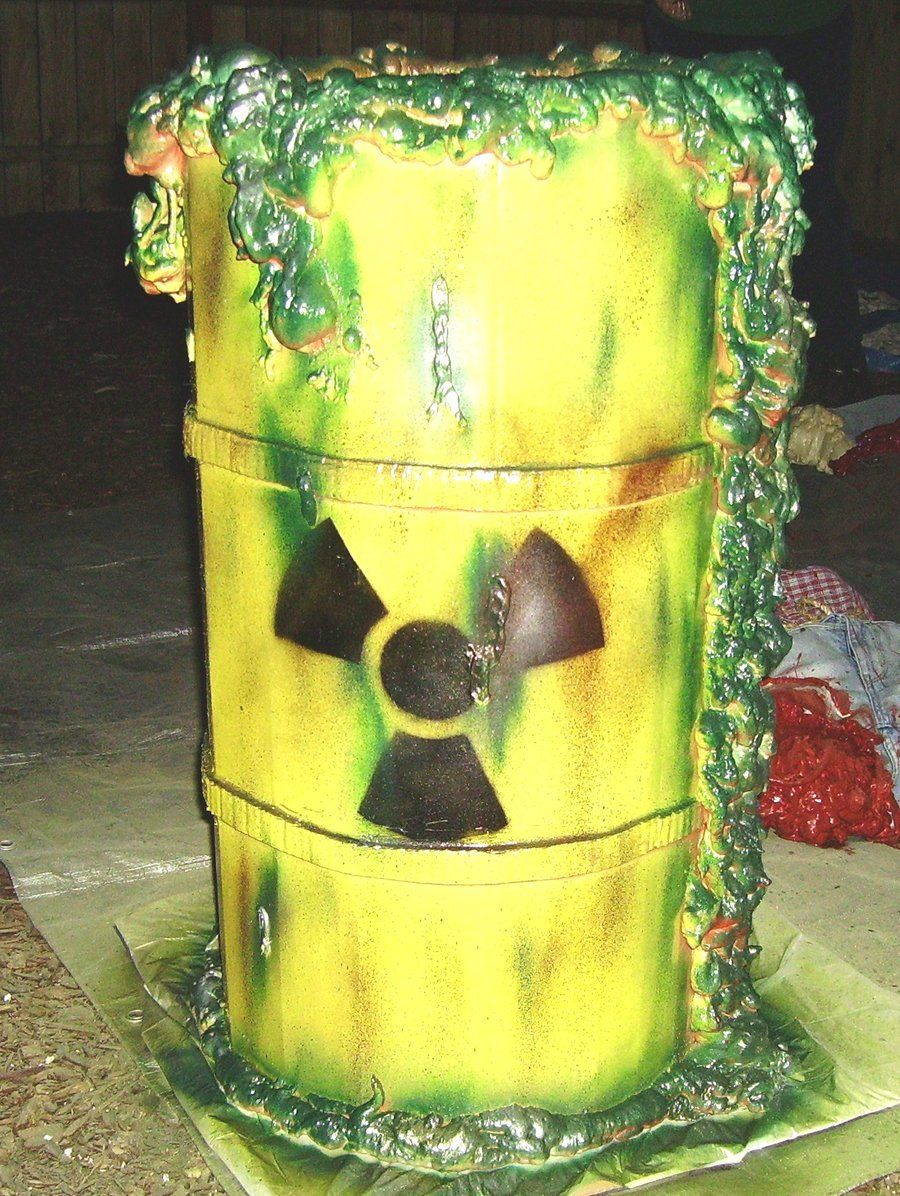 halloween props nuclear waste barrel by capdondeviantart