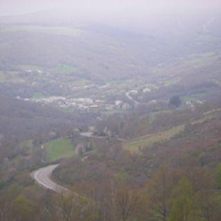 Camino a Triacastela. Disminución de la niebla