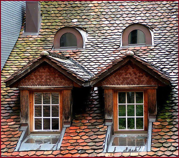 Dach-Fenster zum Hof von Kerstin Kühn