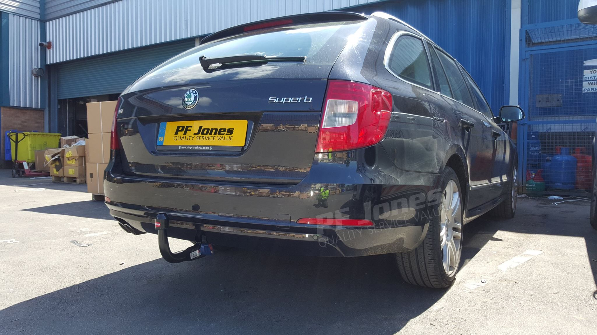 Skoda Superb Estate 2012 Fitted With A Witter Towbars Detachable