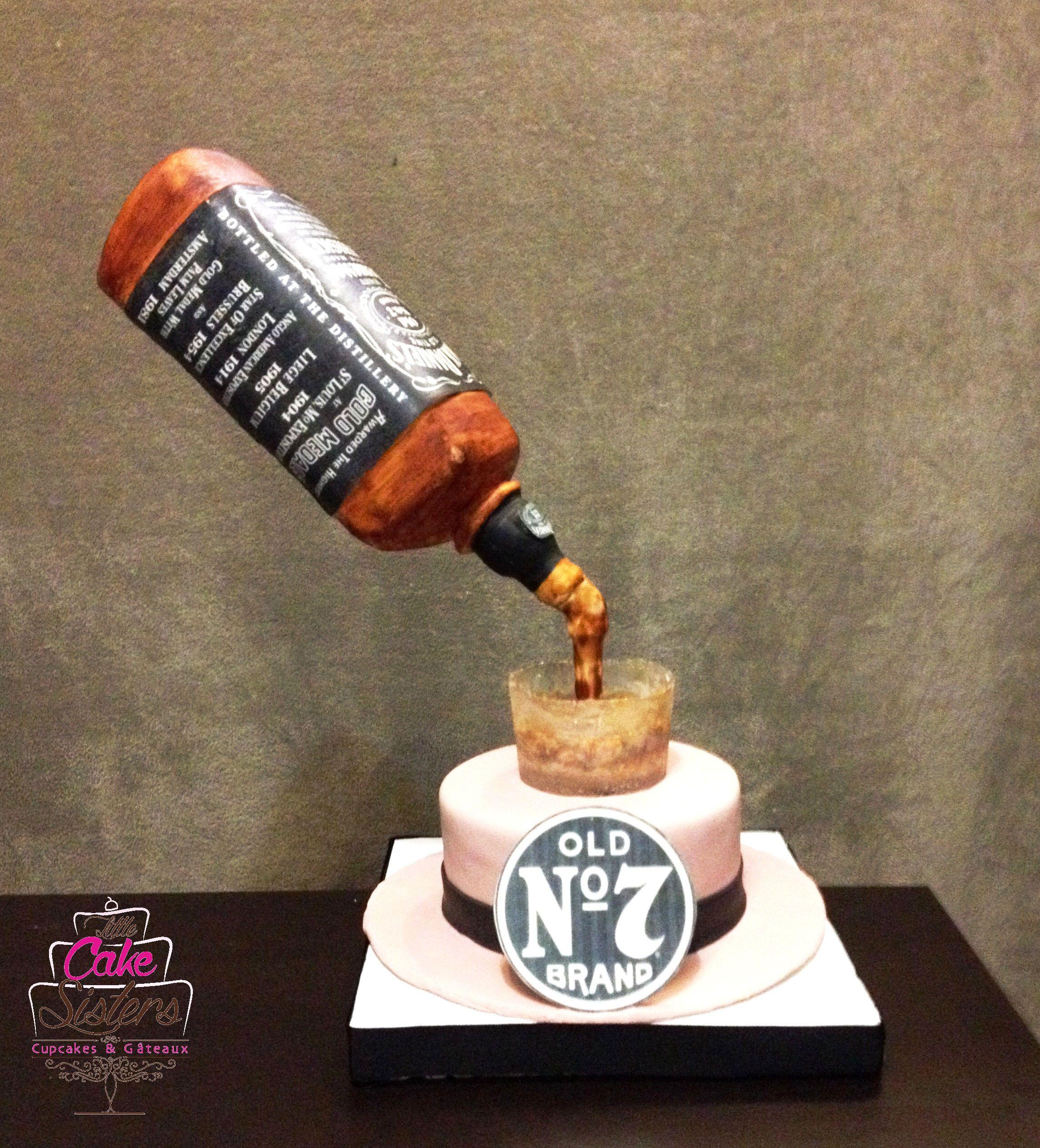 Gravity Cake Gateau Jack Daniels Bouteille En Rkt Verre En