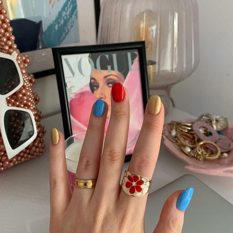 pretty acrylic nails