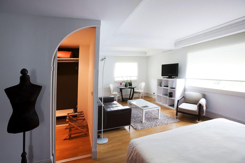 Puedes tener más información en http://www.hotelriobidasoa.com