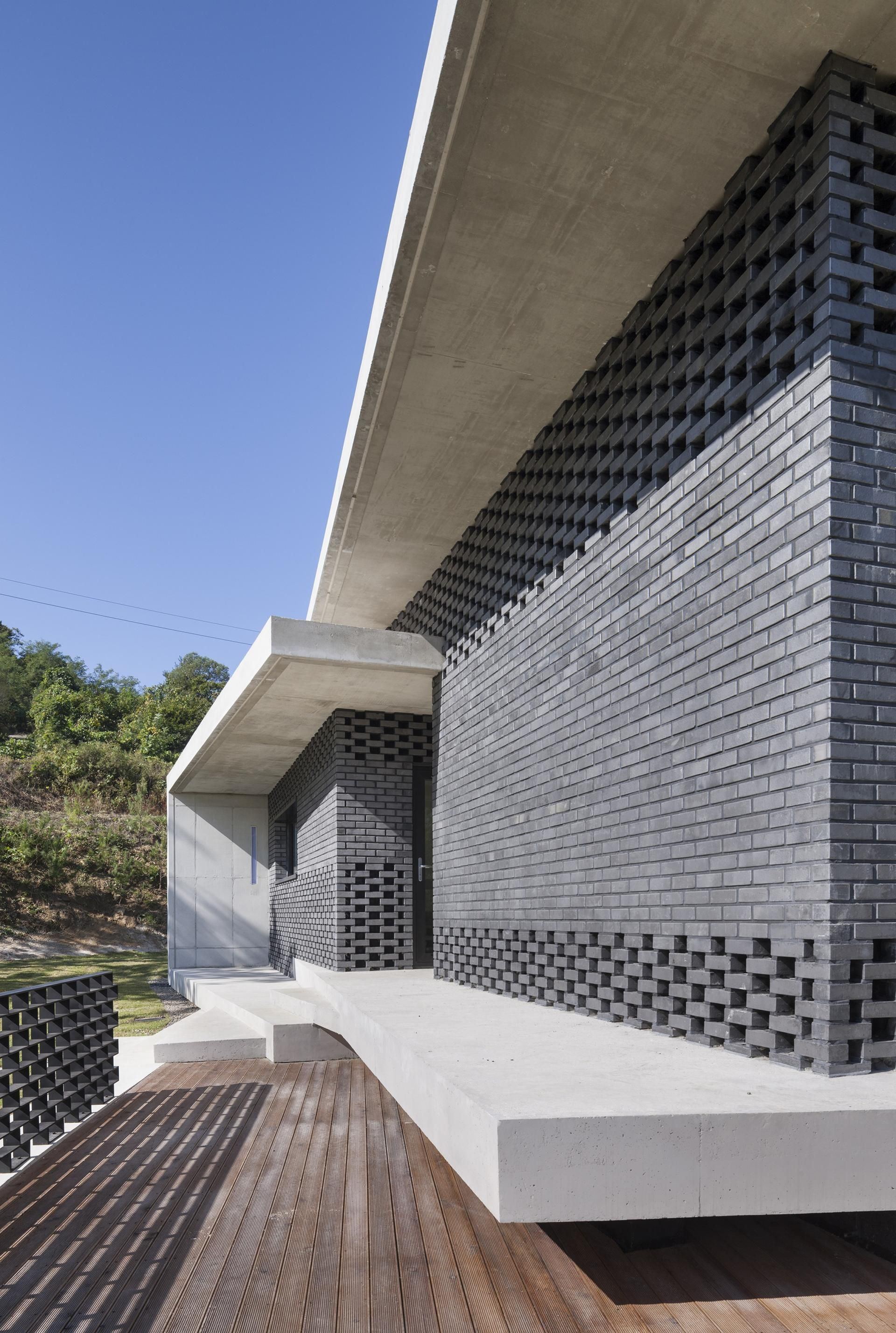 Studio origin project gutters and downspouts house in gyopyeong ri